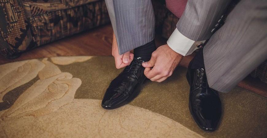 ست کردن رنگ کت و شلوار با رنگ کفش ها